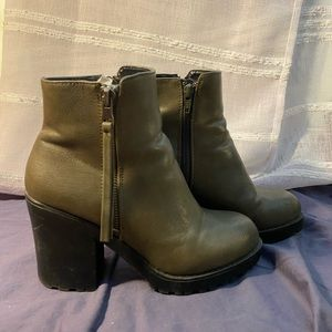 Call It Spring Afadosen Boots - Olive Leather